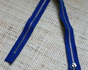 Size 48cm, blue zipper