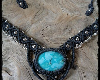 Macrium Necklace with turquoise and silver metal beads