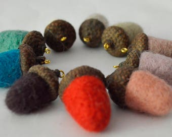 Felted acorns Needle felted acorns Felted wool acorns Christmas home decoration