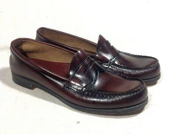 sz. 9 AA | GH Bass & Co. women's vintage cordovan weejun loafers / burgundy leather penny loafers shoes / oxblood leather penny loafers