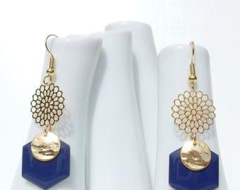 Stud Earrings with light print