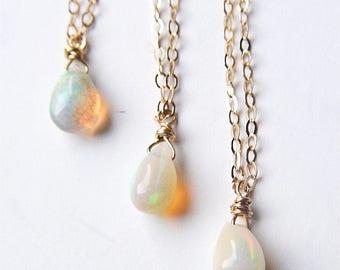 Opale de feu or collier pièce unique