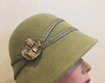 Hand blocked velour cloche