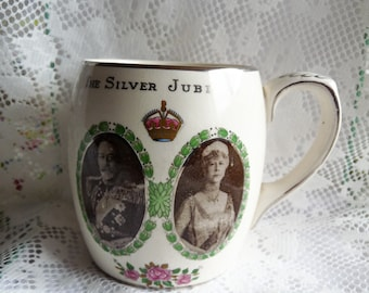 Royal Memorabilia Porcelain Silver Jubilee Souvenir Mug King George V and Queen Mary 1935