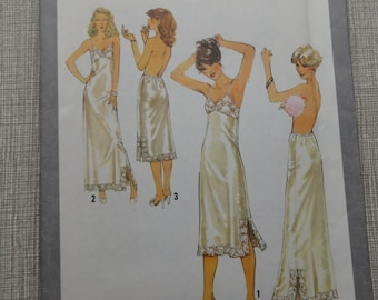 Misses' Full and Half Slips in Size 14 Complete Vintage 1970s Simplicity Sewing Pattern 8862 Lingerie