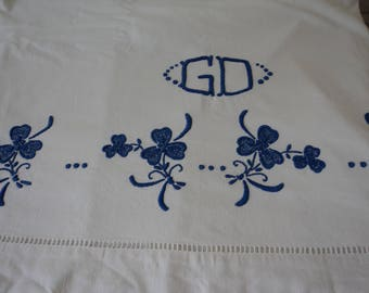 Stunning French vintage white metis linen heavily embroidered sheet (04989)