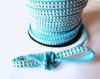 1 m x 5mm sky blue cord suede / silver rhinestones