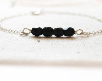 Still night (bracelet) - Linear, small jet black crystals