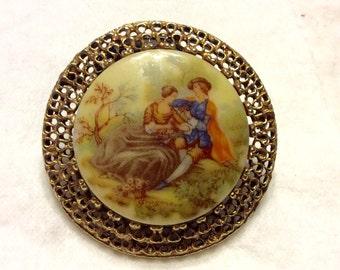 Vintage Fragonard gold filigree brooch pin.
