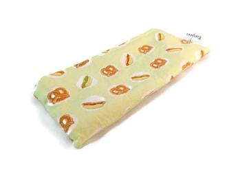 Hot Dog & Pretzel Print Snack Bag || Reusable Sandwich Bag || Reusable Snack bag || Eco Friendly Gift || Zippered Pouch || Food Safe Bag