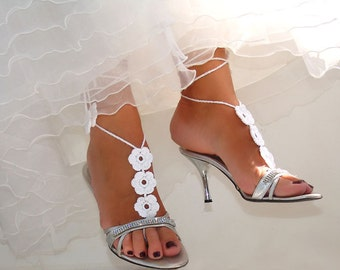 Wedding White Crochet  Flower Barefoot Sandals, Barefoot bride, Bridesmaid gift, Nude shoes, Foot jewelry, Bride Bridesmaid
