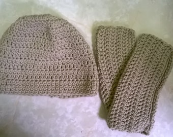 Crocheted Hat & Wrister Set
