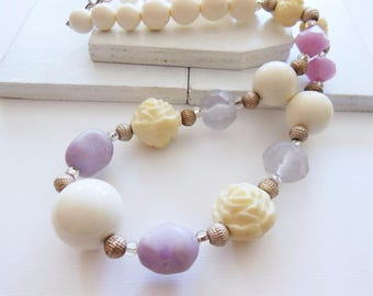 Vintage Lavender Purple White Bead Molded Cream Rose Silver Tone Necklace AA3
