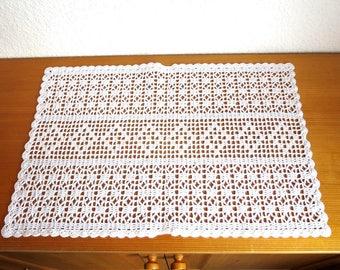 Crochet cover/Table runner/CA 35x51cm/White