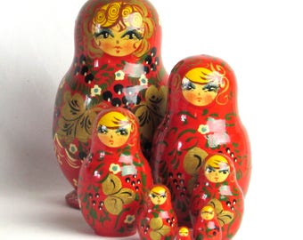 Seven Pretty Nesting Dolls - Wooden Russian Matryoshka Dolls -