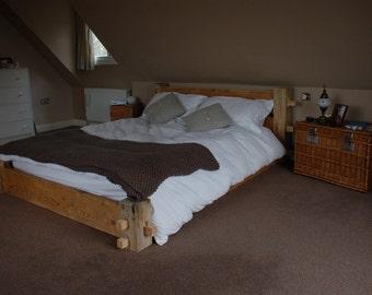 Besboke wooden rustic bed