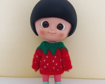 Strawberry sweater for Mini Mui-chan, Lati Yellow and other similar sized dolls.