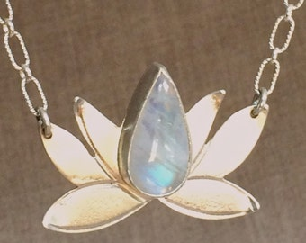 Moonlight lotus necklace