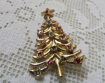 vintage 60's  Christmas tree pin brooch with red and green enamel