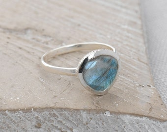 Handmade, Sterling Silver 925 Faceted Labradorite Teardrop Ring
