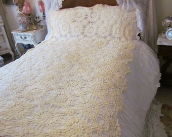 Vintage Pastel Yellow Hand Crochet Tablecloth Bed Coverlet