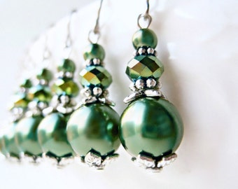 Green Pearl Earrings, Dark Green Earrings, Hunter Green Wedding, Pearl Drop Earrings, Pine Green Bridesmaid Jewelry, Vintage Style Dangles