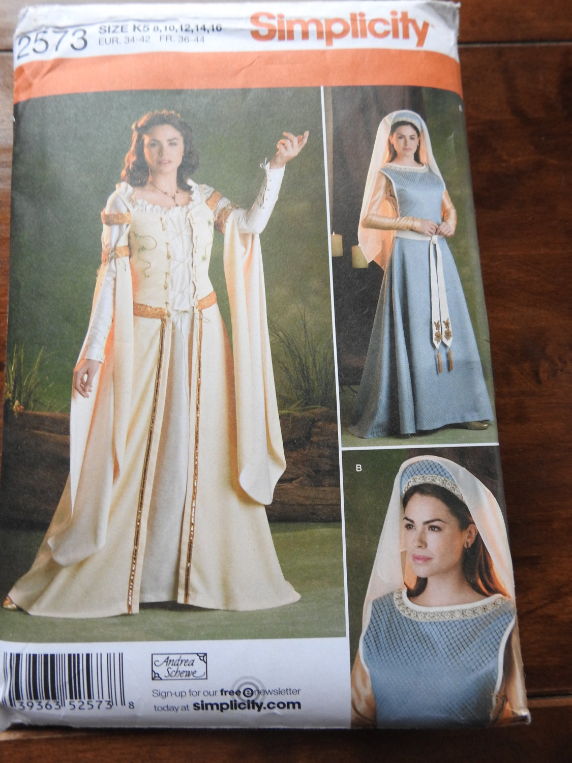 Simplicity 2573 womens elegant medieval gowns costume sewing 750 shipping jeuxipadfo Images