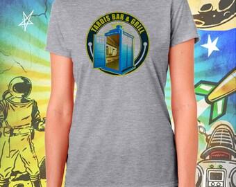 Doctor Who / Tardis Bar & Grill / Women's Gray Performance T-Shirt