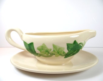 Vintage Franciscan Ivy Gravy Boat with Attached Underplate - Franciscan Ivy Gravy Boat - Franciscan - Franciscan Ivy - Franciscan Gravy