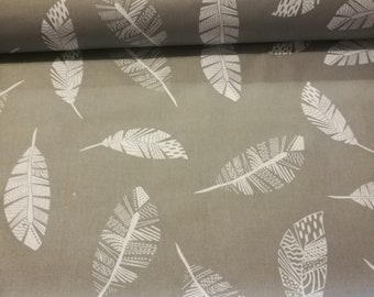SALE*FEATHERS on Grey 100% Cotton Printed Fabric,Wide 160 cm,Sewing,Patchwork, New,Nursery,Craft,PREMIUM,Cheap,Best Quality