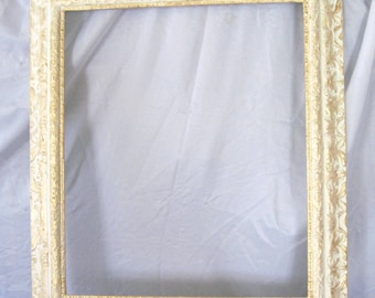 Frame, Vintage Frame, 1940's picture frame, White and Gold frame, Baroque frame, Shabby Chic Frame, Cottage Chic frame