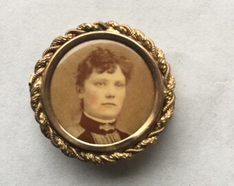 Antique Victorian Mourning Brooch Photo Pin