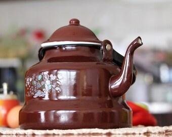 Brown Vintage Kettle - Christmas Decoration - Enamel Teapot - Mid Century Tea Kettle - Vintage Tea Pot - Farmhouse Decor - Vintage Kitchen
