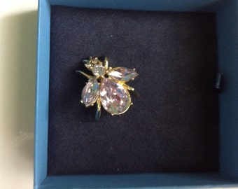 Vintage Juliana lavender bee brooch
