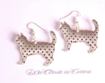 Polka dots cat earrings
