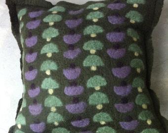 deep green pillow