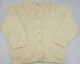 Vintage Shetlander 100% Wool Cream Woman's Sweater Size Small Made in Scotland