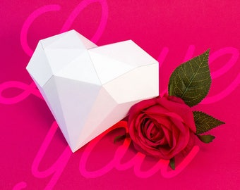 Valentine's Day / Valentine - Digital template to make a papercraft low poly, origami.