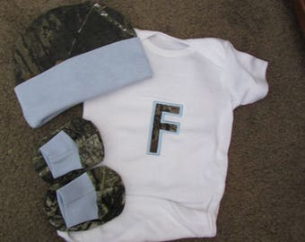 Personalized Baby Boys Newborn Camo Camouflage Mossy Oak  Or Realtree 3 piece Set coming Home Outfit Creeper hat Booties