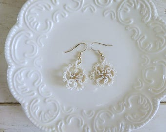 Tatted earrings, tatted lace, cream tatted lace, hook earrings, cream earrings, tatted jewelry, lace jewelry, gift idea, ready to ship