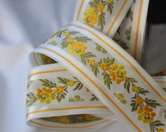CLEARANCE SALE  50 discount  vinage inspired, romantic, Satin Floral Jacquard Ribbon Trim with Yellow Flowers 10,90 yards