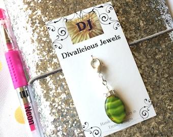 Green Beaded TN Charm, Junk Journal Charm, Traveler's Notebook Charm, Green Charm, Glass Bead Zipper Pull, Purse, Backpack