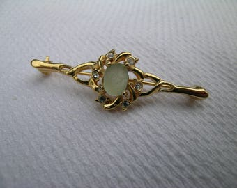 Lovely OOAK unique upcycled vintage diamante wreath gold tone bar brooch set with a beachcombed English aqua sea glass nugget