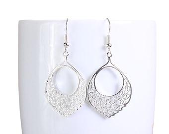 Silver plated filigree dangle earrings (789)