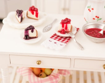 Miniature Cherry and Blueberry Cheesecake Slices - 1:12 Dollhouse Miniature