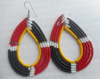 Tiny bead ovals pair of earrings