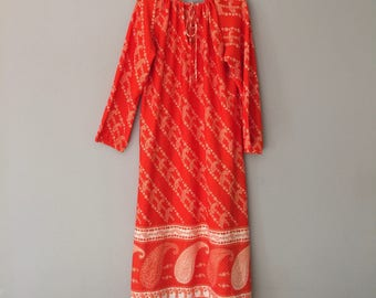 60s Maxi Dress Medium Large Polyester Paisley Indian Boho Caftan Kaftan 1960s