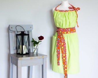 Floral women apron / Ladies pinny / Vintage apron / Ladies Apron / Womens Pinny / Retro Chef Apron / Green Floral Apron
