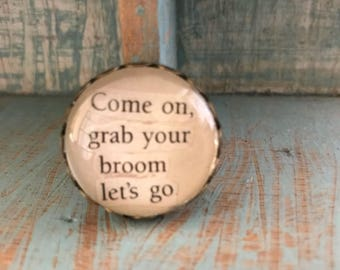 Harry Potter 'Grab your Broom' Brooch