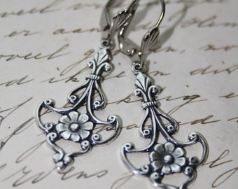 victorian gothic floral metal  earrings